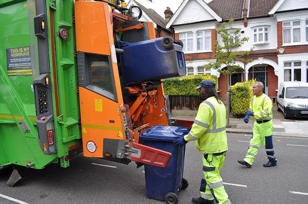 Dispose Your Unwanted Trash and Scraps With Junk Hauling